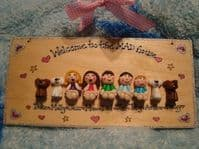 9 CHARACTER LARGE FAMILY SIGN PLAQUE PEOPLE PETS CAT DOG BIRD ANY PHRASING UNIQUE GIFT Garden or heart theme